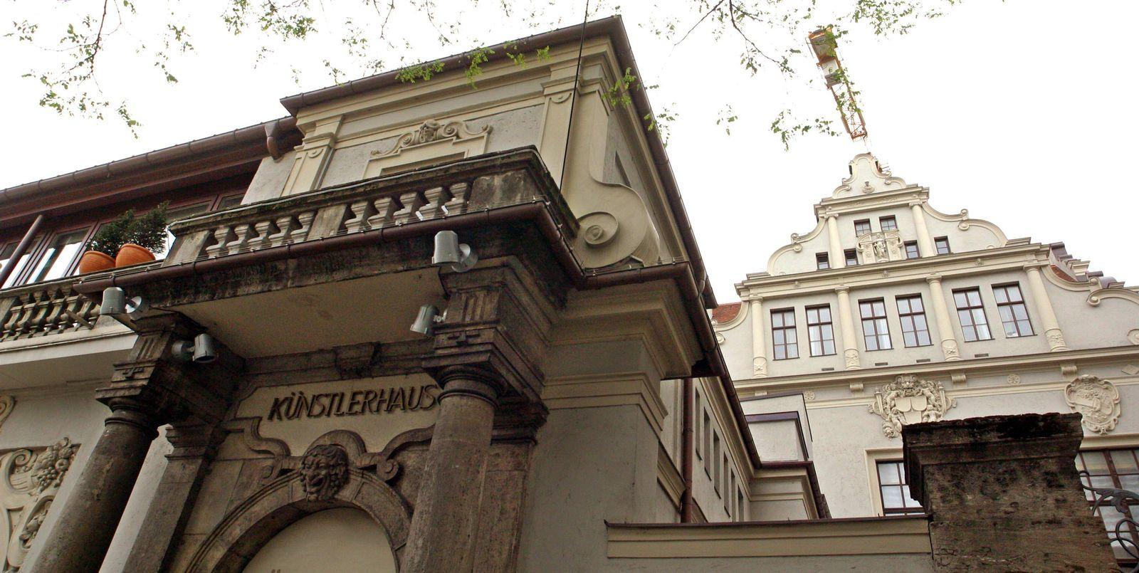 EINMALIGE VERWENDUNG Künstlerhaus / Lenbachplatz / München