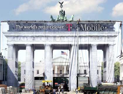 Werbegag: Das Weiße Haus im Brandenburger Tor