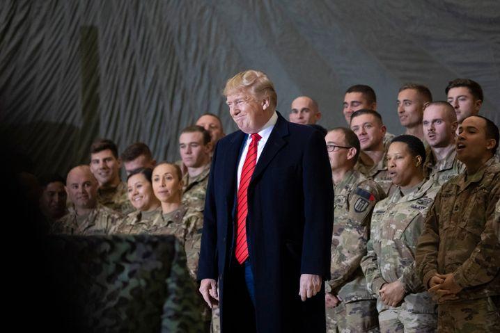 Bald fast alle weg: Trump mit US-Soldaten in Afghanistan (2019)
