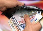 Blick ins Portemonnaie: Gehälter für Einsteiger sinken
