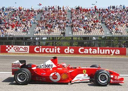 Gelungenes Debüt: Michael Schumacher gelang auf dem Circuit de Catalunya beim ersten Grand Prix mit dem dem neuen F2003-GA gleich der erste Sieg