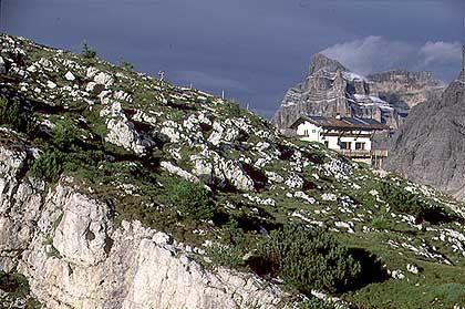 Rifugio Tissi: Der Pelmo verhüllt sich in Wolken