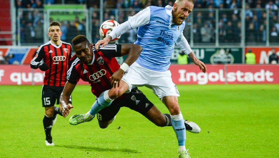 Ingolstadts Bernardo, Münchens Adlung (r.): 1:1 im Derby