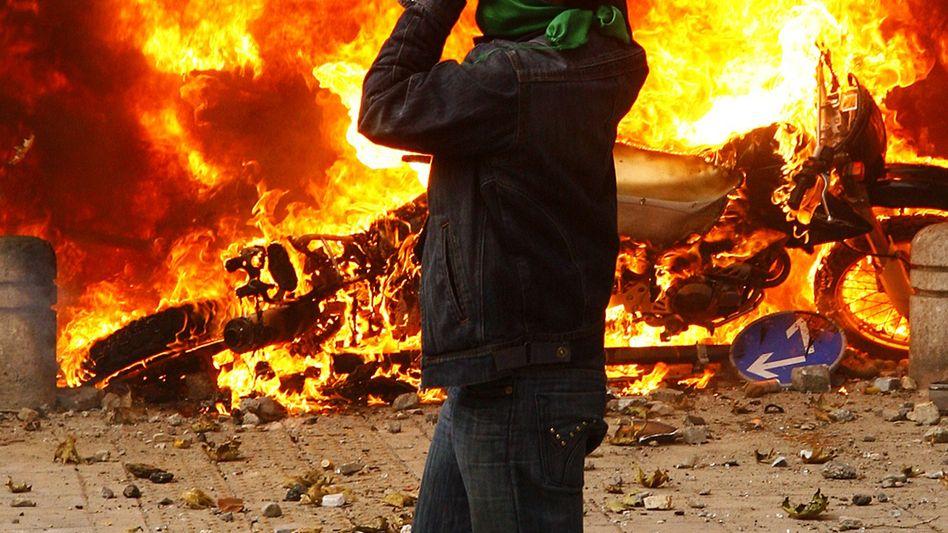 """Demonstrant in Teheran: """"Wir werden kämpfen, wir werden sterben"""""""