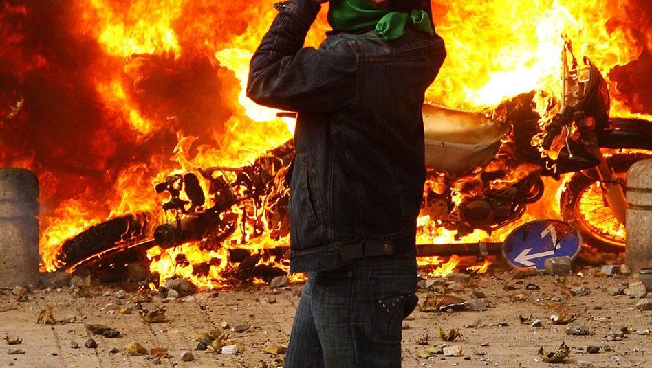 "A demonstrator in Tehran: ""We will fight, we will die."""