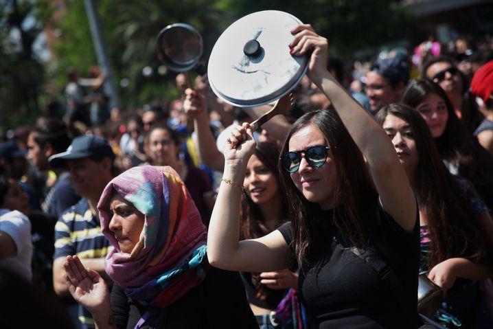 Cazerolazos: Dengeln gegen das System