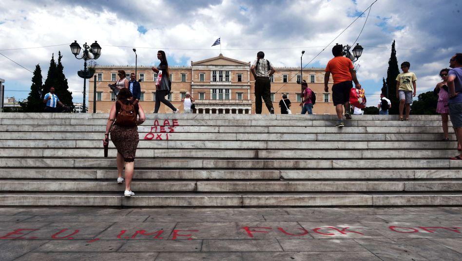 Protest-Graffito vor griechischem Parlament