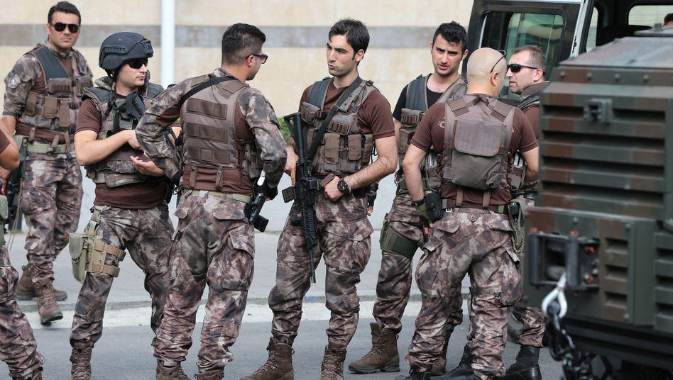 Türkische Soldaten in Istanbul