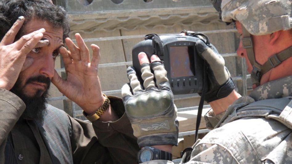 Biometrische Geräte halfen dem US-Militär, Terroristen oder Helfer zu identifizieren – einige landeten offenbar in den Händen der Taliban