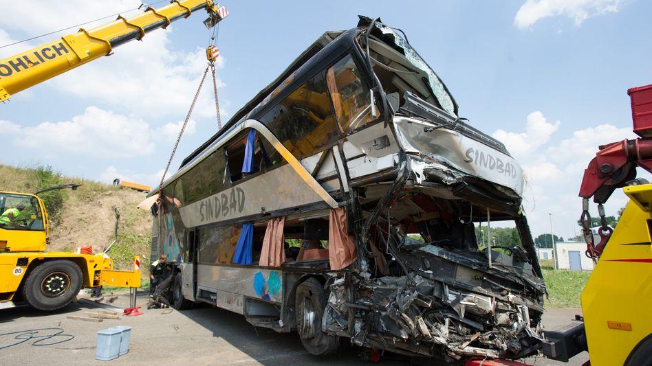 Busunglück auf A4: Tödliches Ende einer Reise