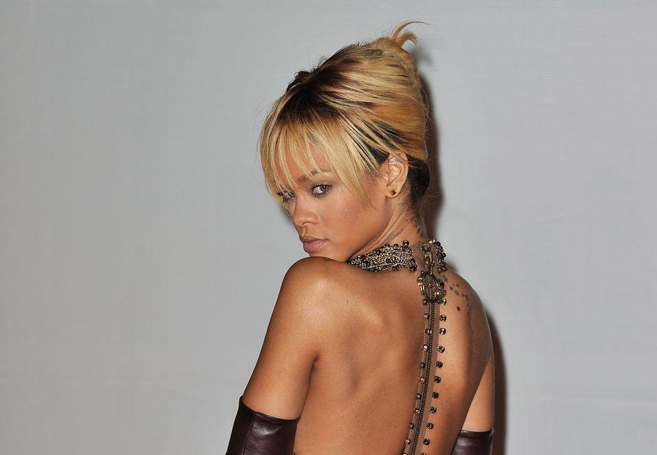 Rihanna Figur