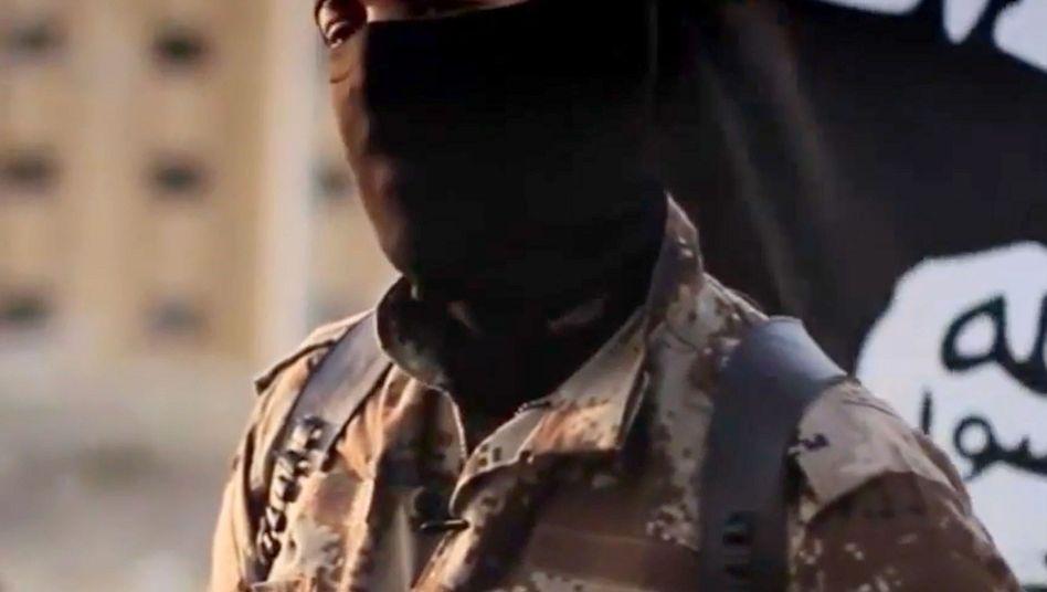 Ausschnitt aus IS-Propaganda-Video (veröffentlicht vom FBI im Oktober 2014)