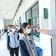Kinder in Peking und Shanghai kehren an Schulen zurück
