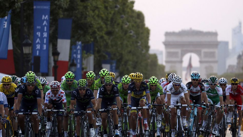 Radprofis bei der Tour: Traditionelles Finale in Paris