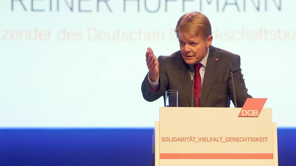 DGB-Chef Reiner Hoffmann (Archivbild): Von einem Grundsatzkonflikt könne keine Rede sein