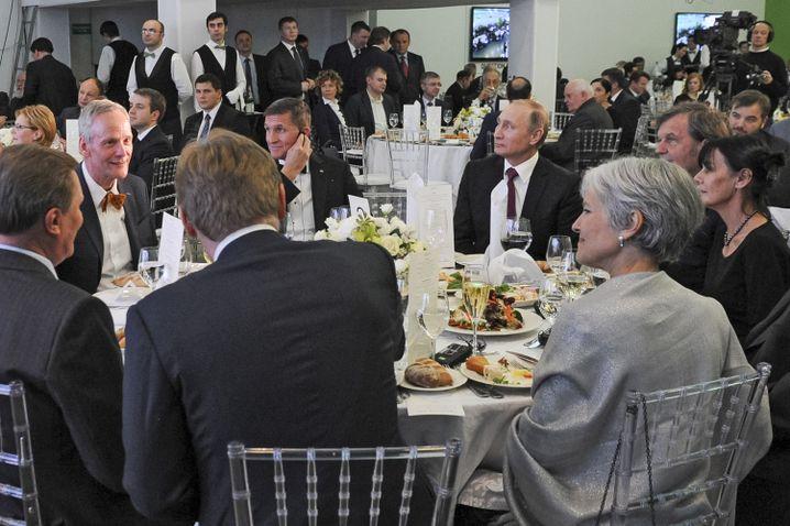 Flynn am Tisch mit Putin (2015)