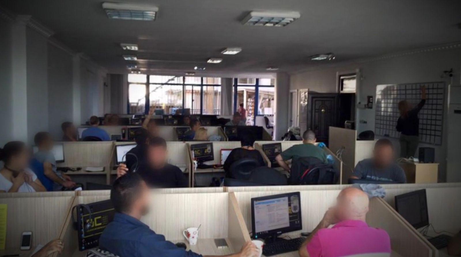 EINMALIGE VERWENDUNG Die Tricks der türkischen Callcenter-Mafia