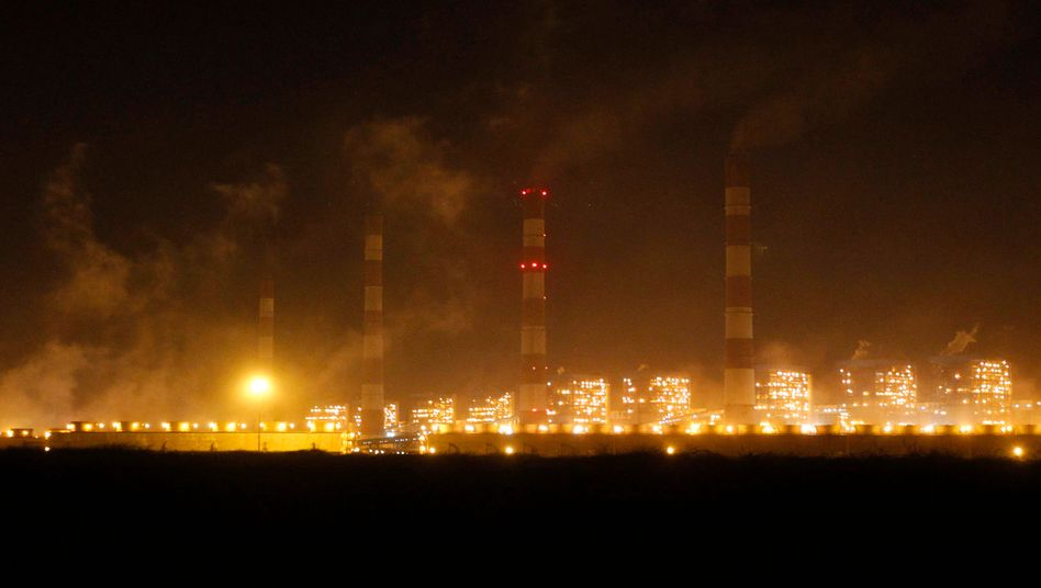 Adani-Kraftwerk in Indien: Die Talanx-Tochter HDI Global versicherte ein umstrittenes Kohleprojekt in Australien