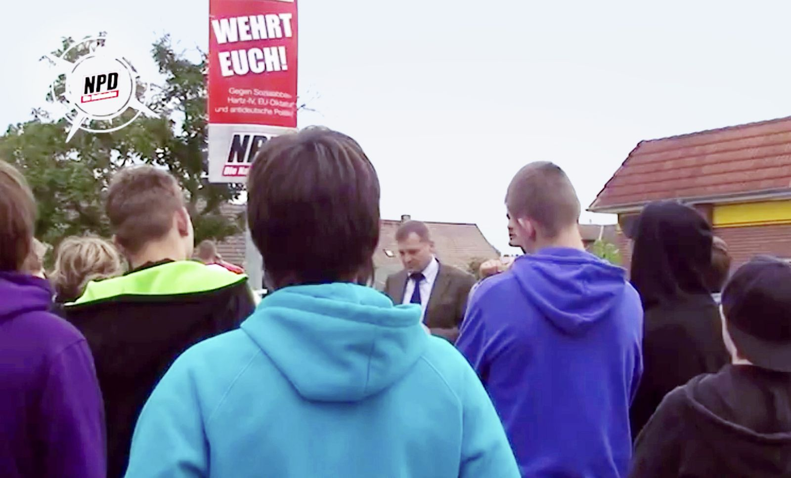 NUR ALS ZITAT NPD Wahlkampf/ Schulklasse