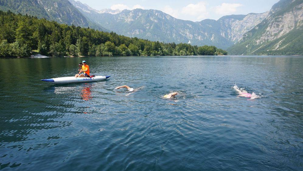 Schwimmwanderung: Zug für Zug über den See