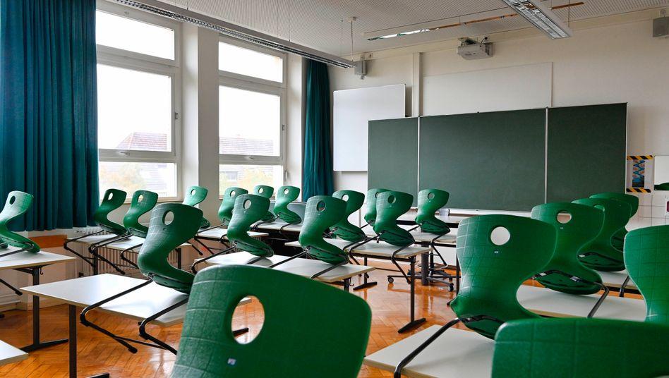 """Leeres Klassenzimmer: """"Schulen im Vollbetrieb um jeden Preis: nein"""""""