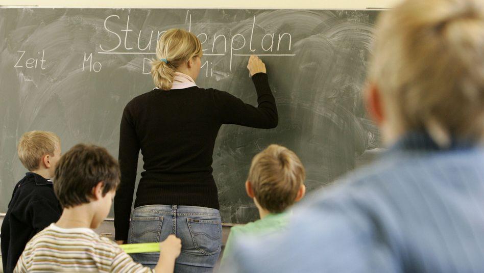 Lehrerin: Ist es Diskriminierung, wenn Eltern ihre Kinder von einer Frau betreuen lassen?