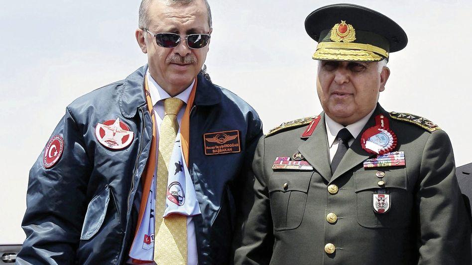 Premier Erdogan, Armeechef Özel Größte Streitkraft im Nahen Osten