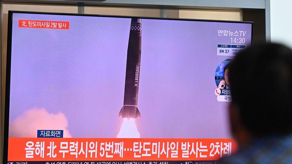 Nordkoreanischer Raketentest im südkoreanischen TV