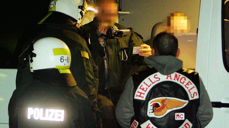 Mitglied der Hells Angels bei Polizeikontrolle: »Wir hatten hier mal ein großes Problem mit dene Rumäneweiber«