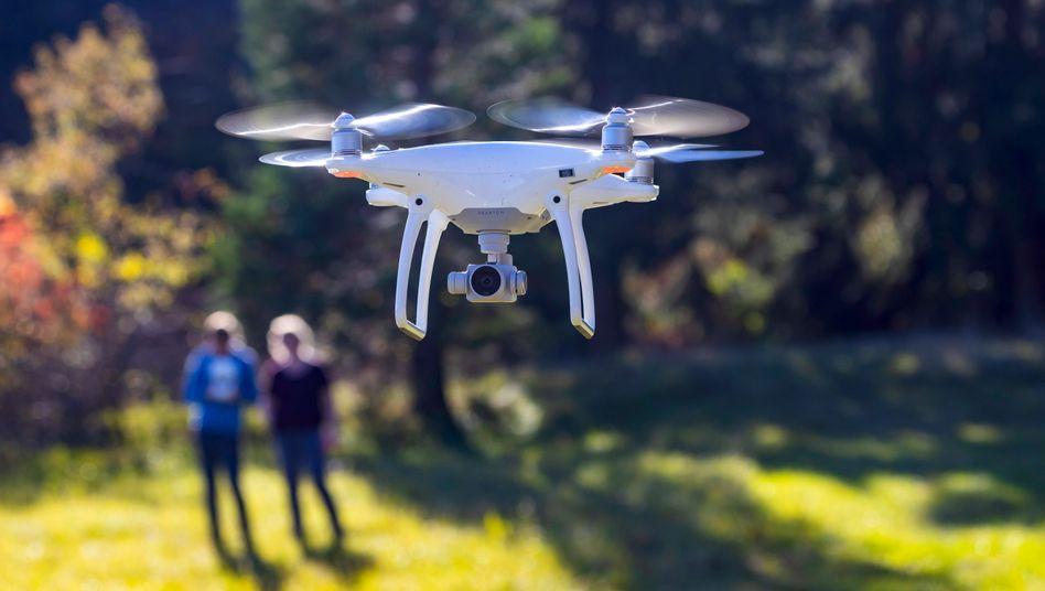 Eine Drohne im Flug