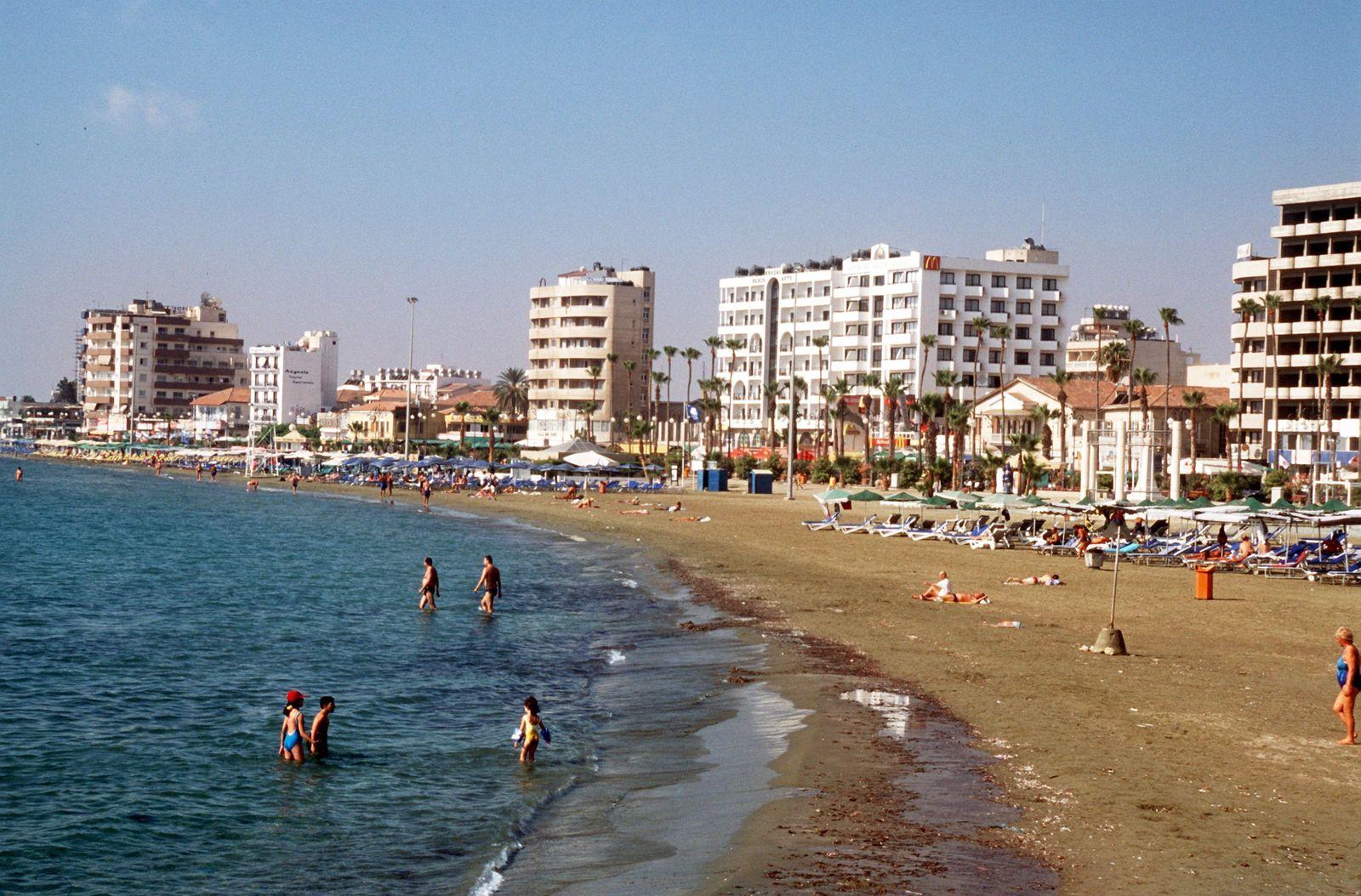 Zypern / Badestrand von Larnaka