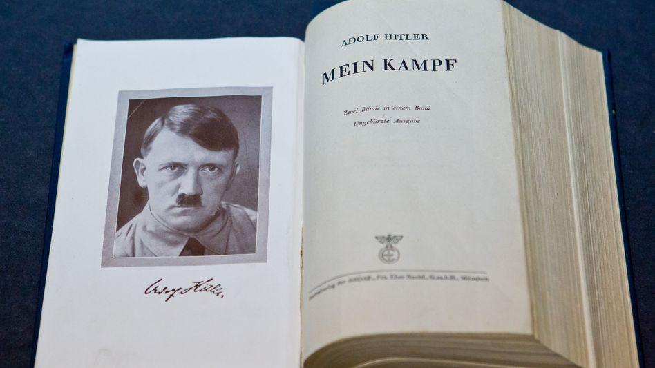 """""""Mein Kampf"""": """"Die Welt beobachtet, wie wir mit dieser Schrift umgehen."""""""