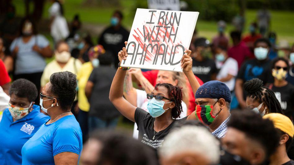Demonstranten am 16. Mai 2020 in Brunswick, wo Ahmaud Arbery beim Joggen erschossen worden war