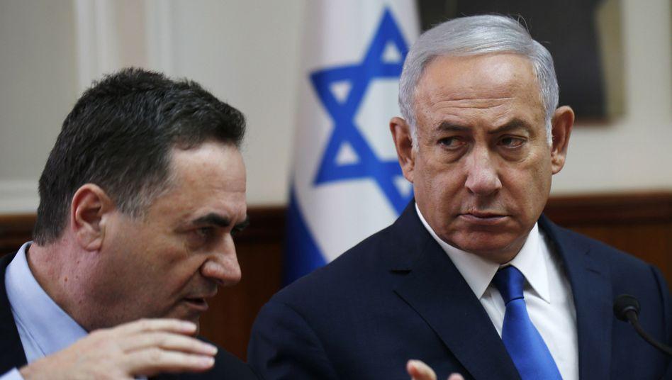Israel Katz (links) mit Benjamin Netanyahu (Archivbild)