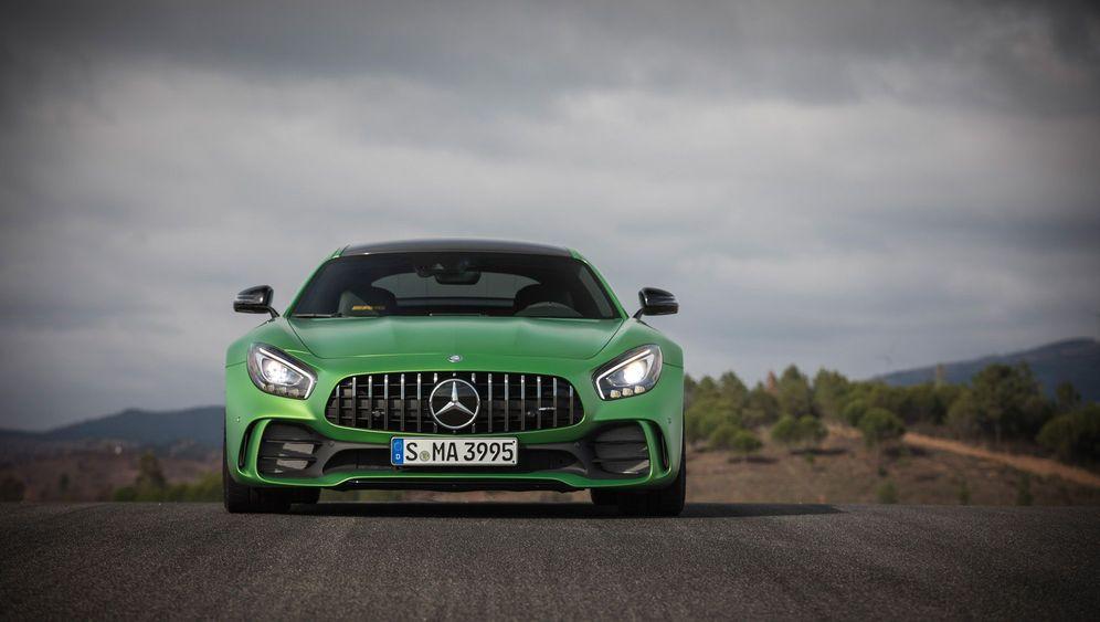 Autogramm Mercedes AMG GT-R: Der Brutalo-Benz