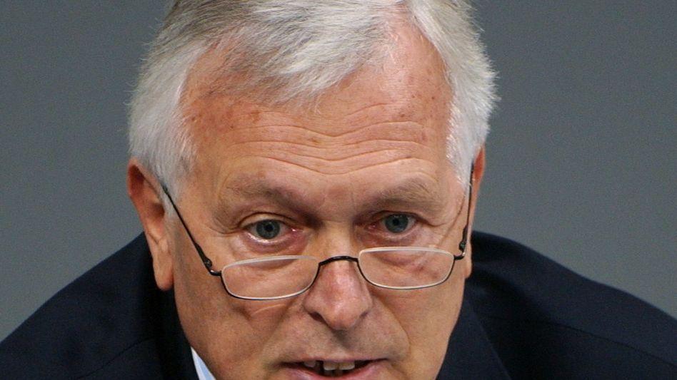Ex-Geheimdienstkoordinator Schmidbauer (Archivbild von 2004): Nachlässigkeiten bei Spionageabwehr