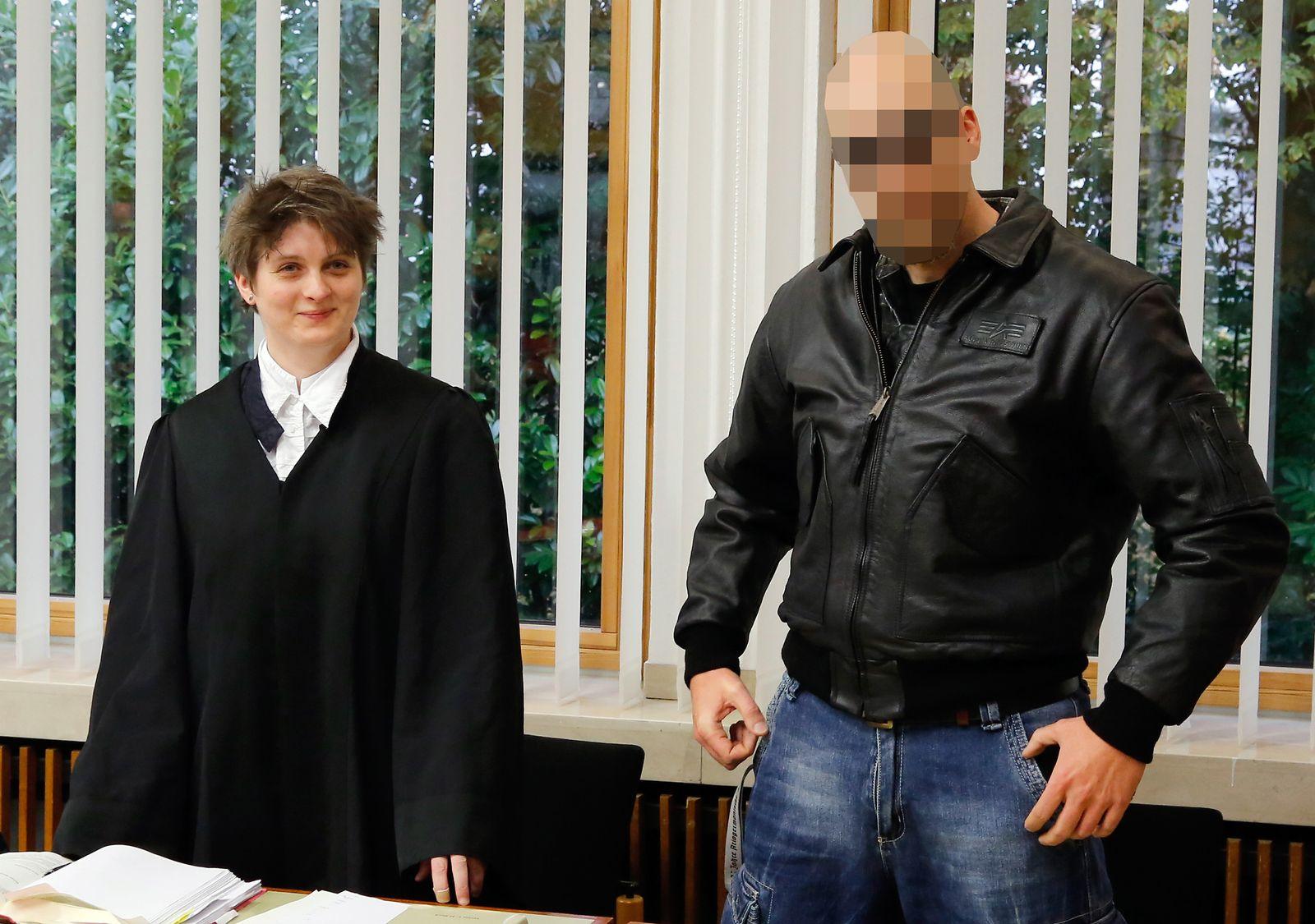 NICHT VERWENDEN Prozess/ Volksverhetzung/ Gigi