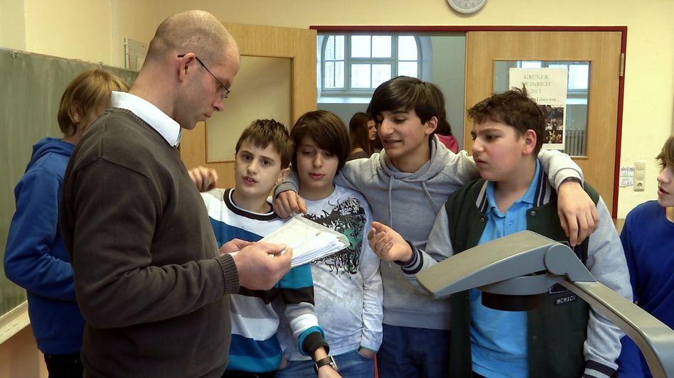 """Ralf, Referendar an Gymnasium in Berlin, und Protagonist in """"Zwischen den Stühlen"""""""