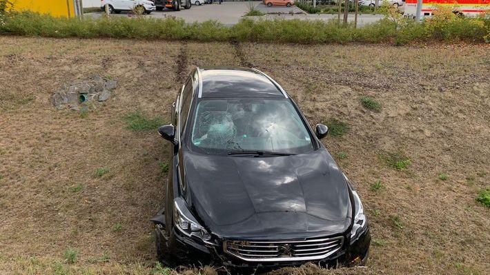 Am Wagen des Maskenverweigerers entstand ein Schaden von 20.000 Euro