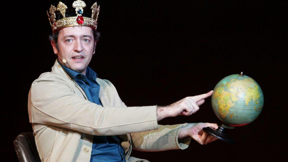 "Kabarettist Rainald Grebe: ""Den ganz großen Zirkus"""