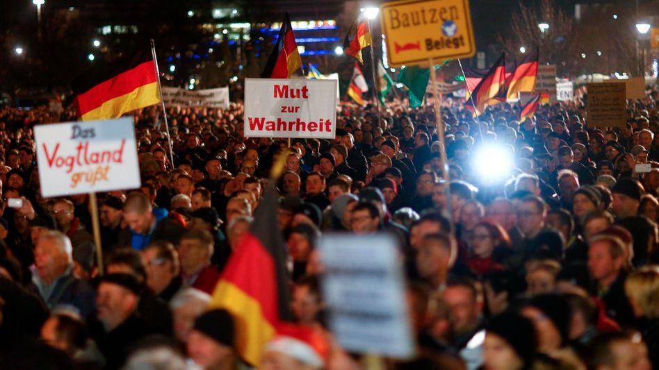 Pegida-Demonstration in Dresden: RTL trennt sich von Reporter