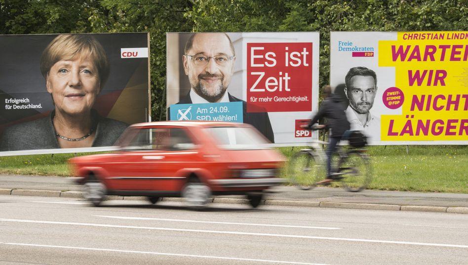 Wahlplakate im Straßenbild