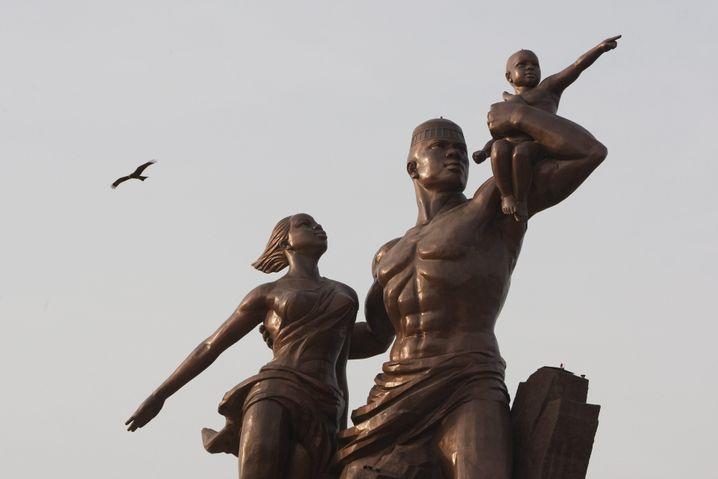 Denkmal zur Unabhängigkeit Senegals: Blick in den Norden