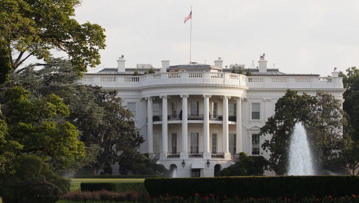US-Präsident zu sein, hat seine Vorteile: Mein Haus, mein Flugzeug, mein Basketballkorb