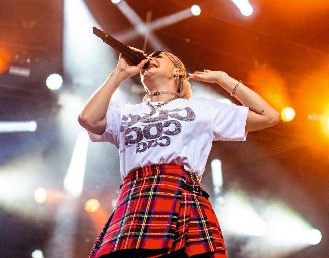 """Anne-Marie hatte schon vor ihrem ersten Album """"Speak your Mind"""" 24 Platin- und 10 Gold-Auszeichnungen für Musik bekommen"""