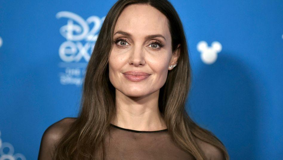 """Angelina Jolie: """"Oft spreche ich in meinen Gedanken zu ihr"""""""