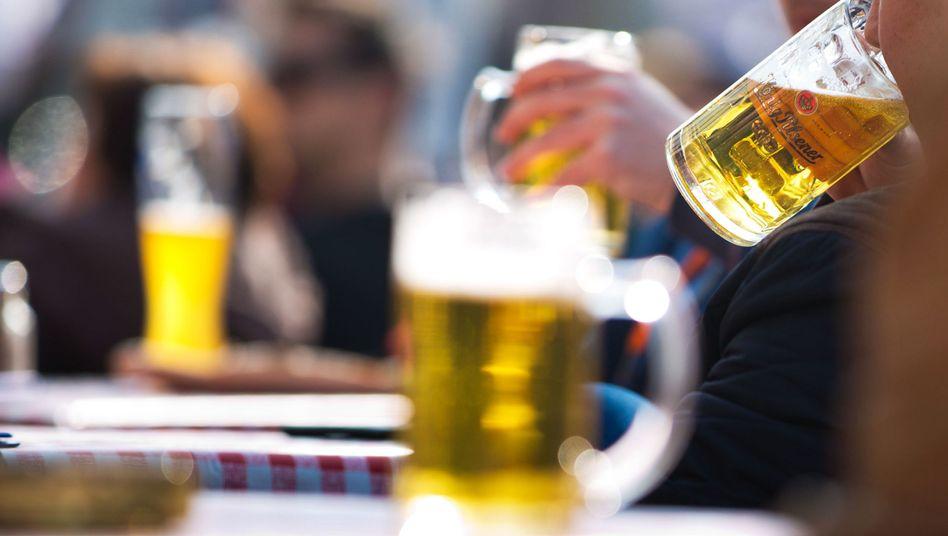 101 Liter Bier trinken Erwachsene in Deutschland pro Jahr