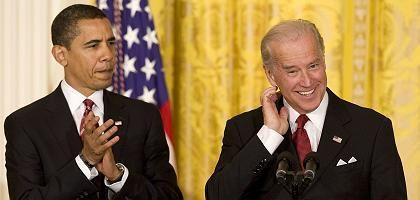 US President Barack Obama (L) and Vice President Joe Biden.