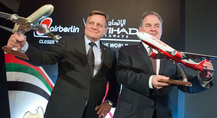 Hartmut Mehdorn (links) mit Etihad-Chef James Hogan