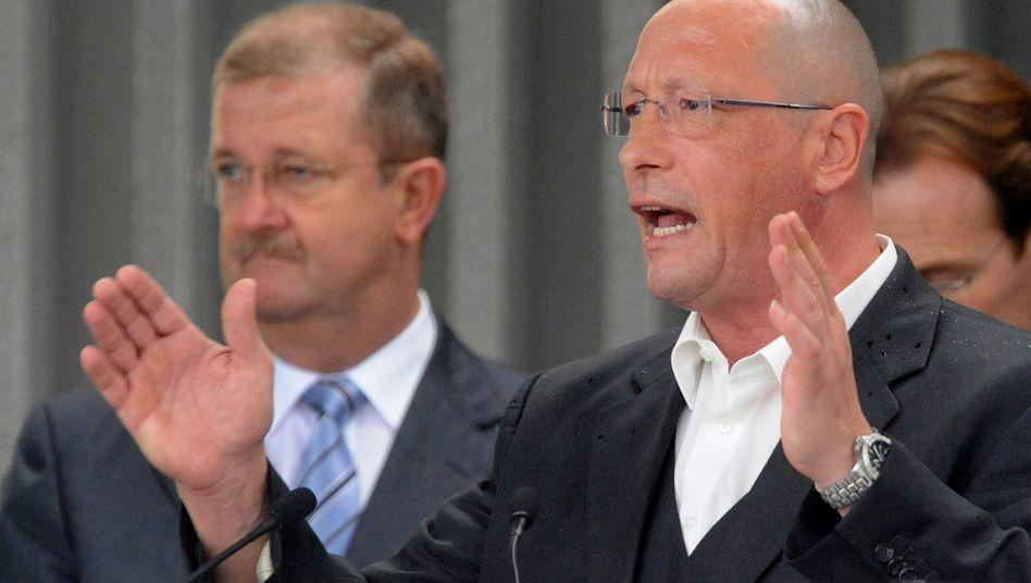 Hück (rechts) mit früherem Porsche-Chef Wiedeking (23.07.2009): Brief an Hube